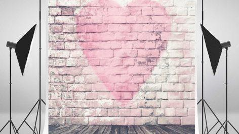 fotobox-hamburg-hintergrund-rosa-herz-auf-wand